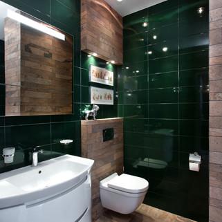 Изумрудная плитка в ванной.jpg