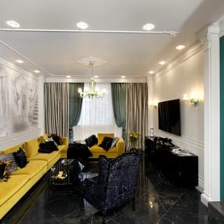 Большой желтый диван в интерьере