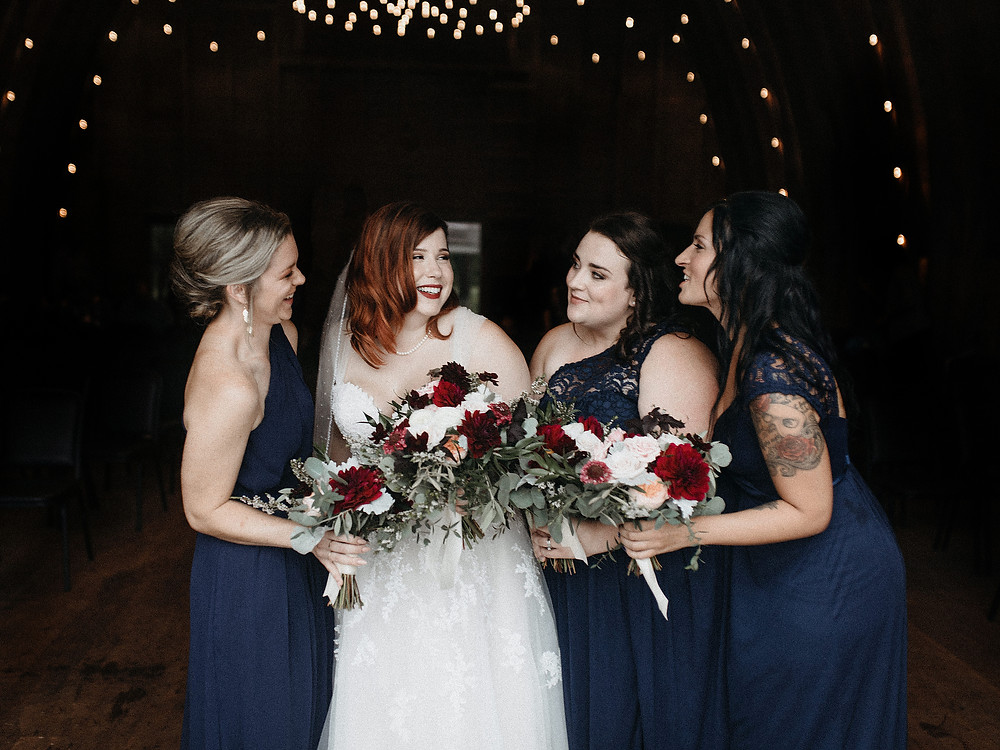 Duluth Wedding Photographer - The Autumn Dog Studio -  bride with bridesmaids