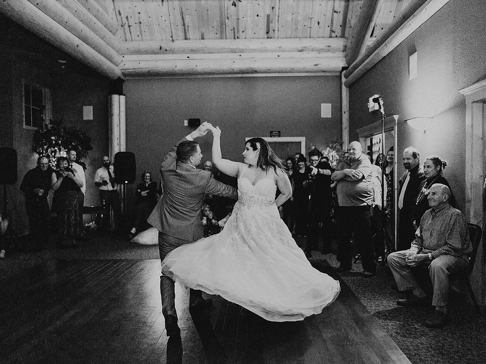 Duluth Wedding Photographer - The Autumn Dog Studio -  bride and groom during choreographed first dance