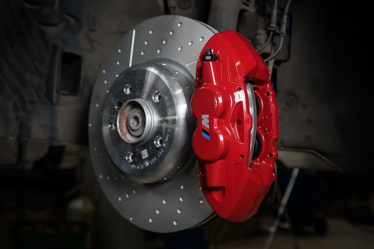 Замена тормозных колодок BMW F30