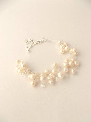 Floating Pearl Bracelet
