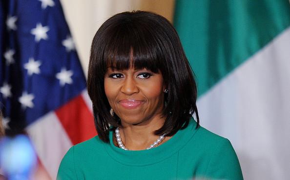 Michelle+Obama+Shoulder+Length+Hairstyles+L5E84RItJNwl