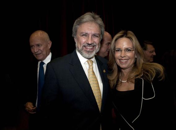 Dr Francisco Ochoa-Mtra Lorena Malpica.j