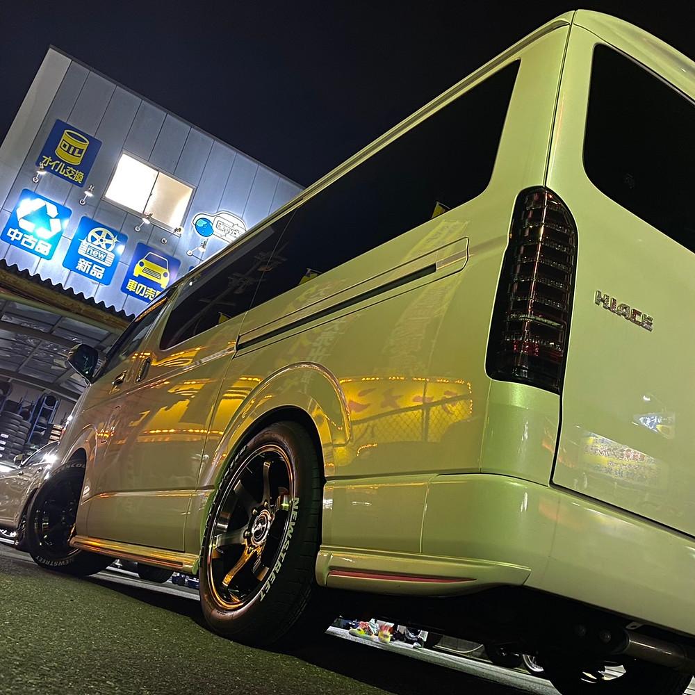 トヨタ ハイエース KBレーシング18 TOYOTA HIACE 舞杏 18インチ 8J オーレンカウンター ホワイトレター