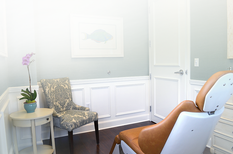 Patient-Room-at-The-Palm-Beach-Center-for-Facial-Plastic-and-Laser-Surgery