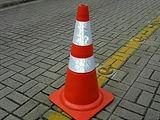 Locação de cones de sinalização para eventos