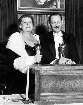 1932.2.MarieDRESSLER-LionelBARRYMORE.jpg