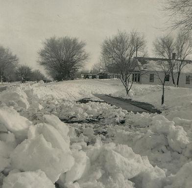 Murra Blizzard 1957 House and Street.jpg