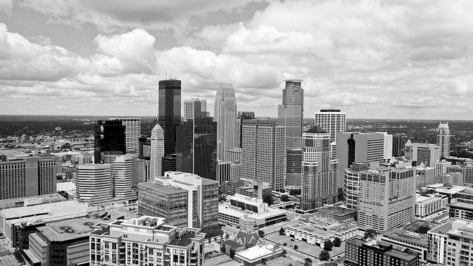 Minneapolis Skyline BW.jpg