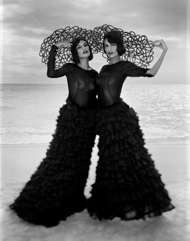 (black dresses) 3184 001 r3.jpg