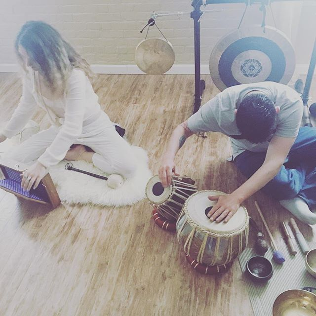 Join us tonight at _yoganandalb for a seriously deep journey through #kundalini and #mantra with _es