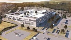 """Borgmesteren i Estepona siger, at hospitalet  åbner """"engang"""" i 2020"""