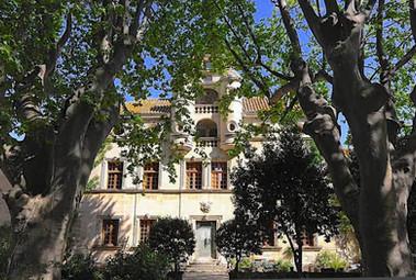 chateau ext 2.jpg