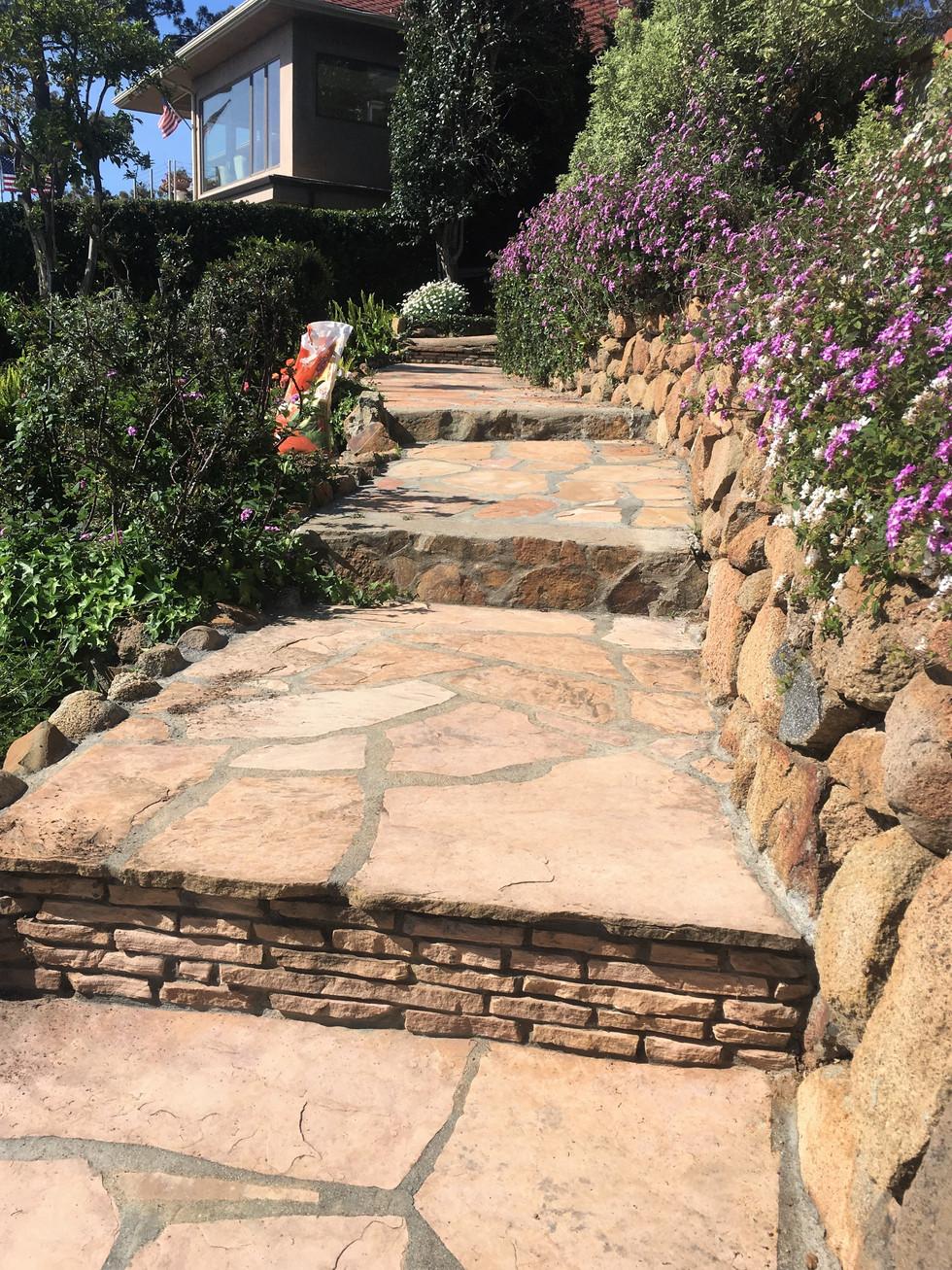 San-Diego-Contractor-Tan-Flagstone-Walkway-Steps