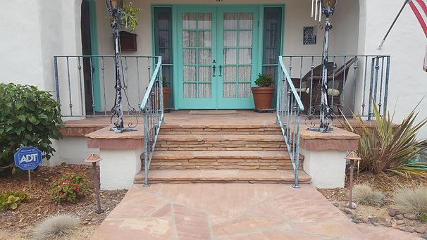 Arizona-Tan-Flagstone-Walkway-and-Porch-