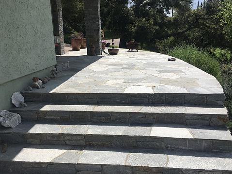 Quartzite-steps-built-by-Tidwell-Masonry