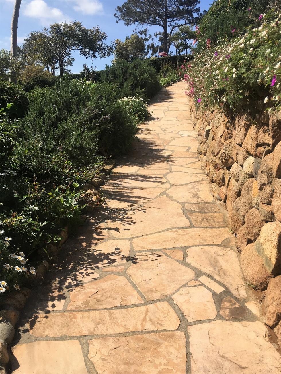 San-Diego-Flagstone-Walkway-Masonry-Contractor