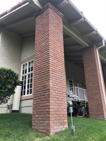 Large-Brick-Columns-Restoration-Fairbanks-Ranch-Tidwell-Masonry