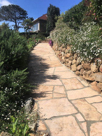 Arizona-Tan-Flagstone-Walkway-San-Diego-Masonry-Contractor