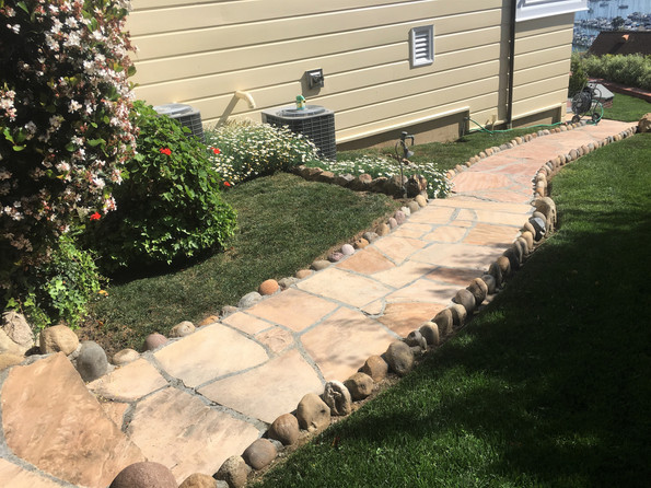 Flagstone-Walkway-With-Border-San-Diego-Masonry-Contractor