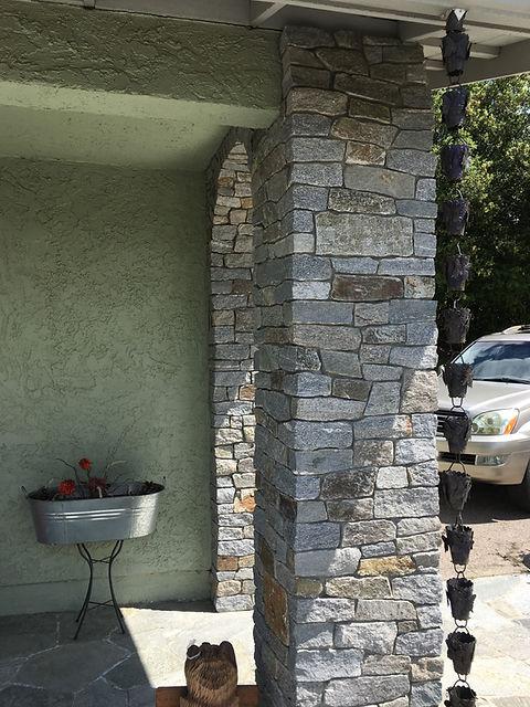 Stone-veneer-entrance-with-Arch-Alpine-C