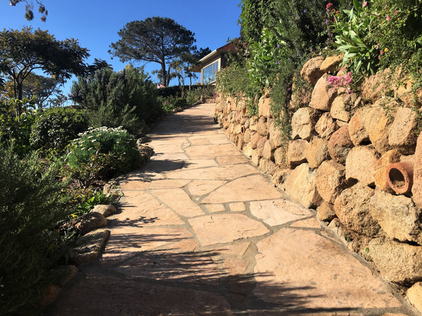 San-Diego-Contractor-Arizona-Tan-Flagstone-Walkway