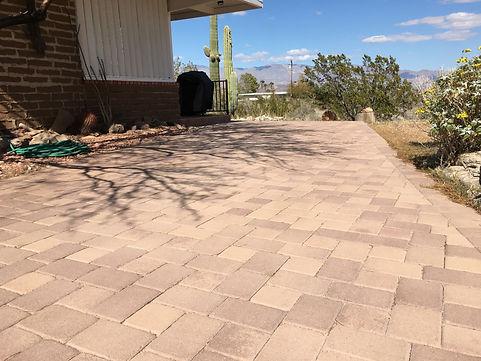 borrego-springs-paver-brick-driveway.JPG