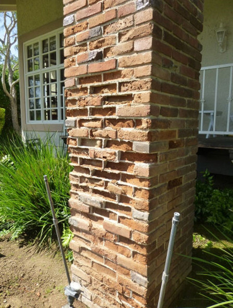 Before-and-after-image-brick-veneer-in-Fairbanks-Ranch-1