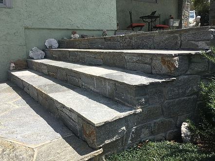 Flagstone-steps-in-Alpine-CA-built-by-Sa
