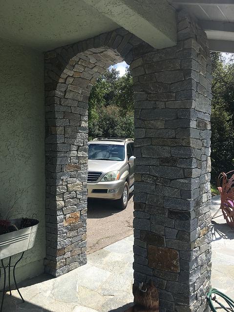 Alpine-CA-Stone-veneer-arch-built-by-Tid