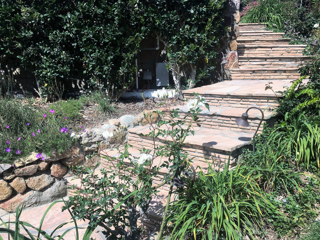 San-Diego-Masonry-Contractor-Builds-Flagstone-Steps