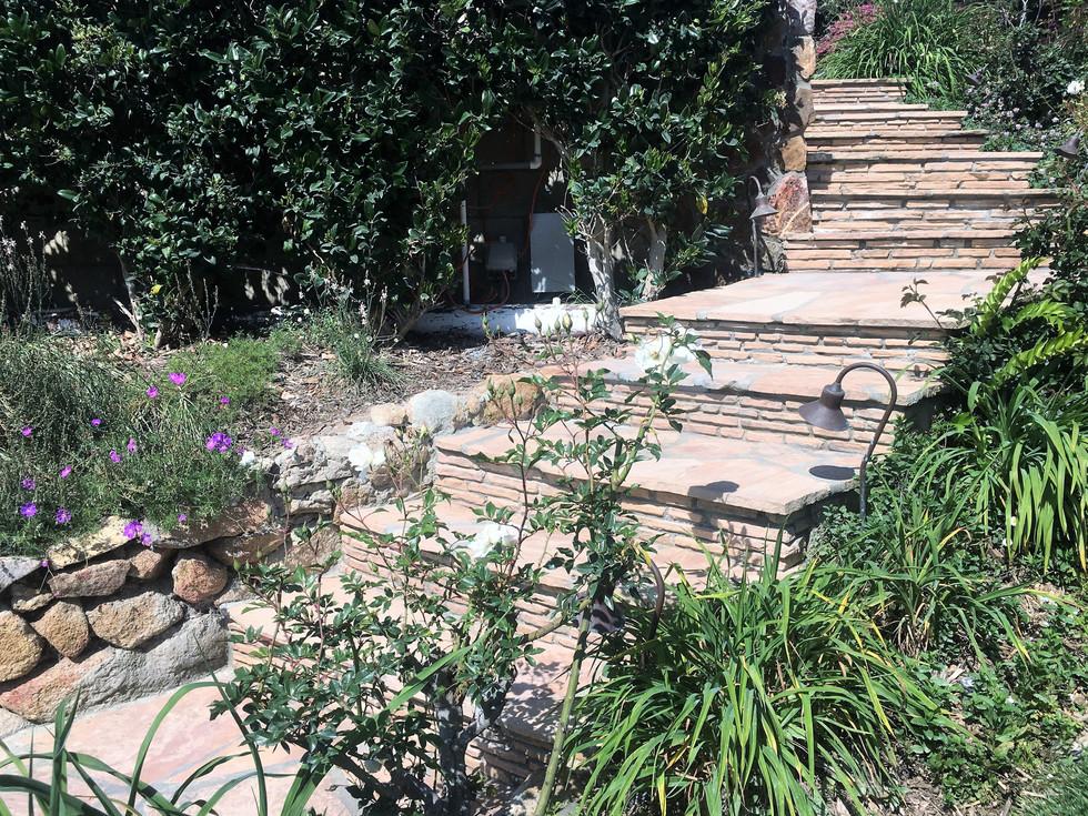 San-Diego-Masonry-Contractor-Builds-Flagstone-Steps