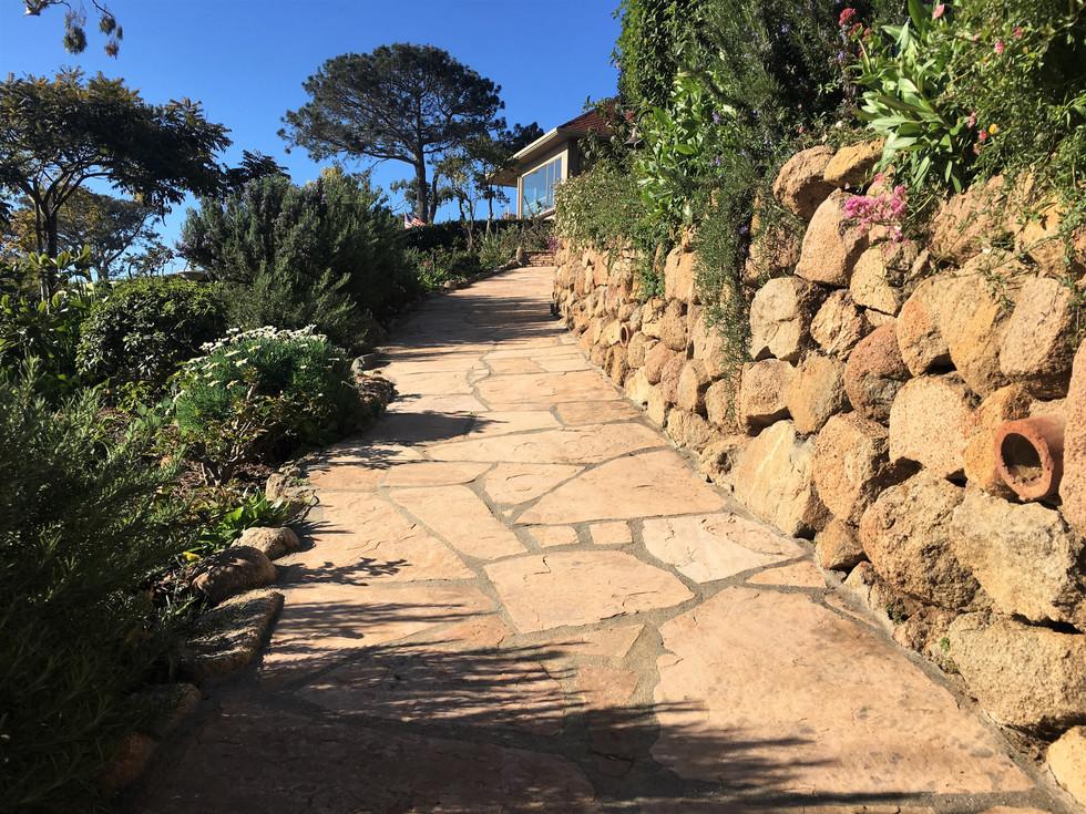 San-Diego-Contractor-Arizona-Tan-Flagstone-Walkway