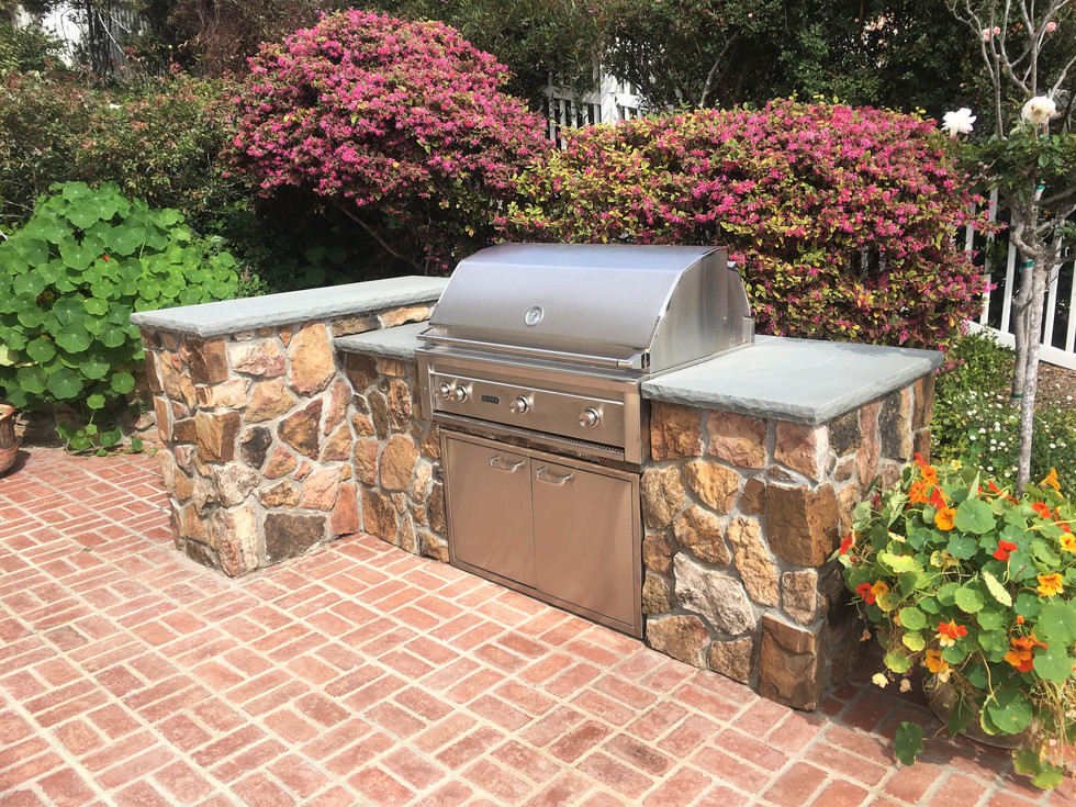 San-Diego-Masonry-Contractor-Builds-BBQ