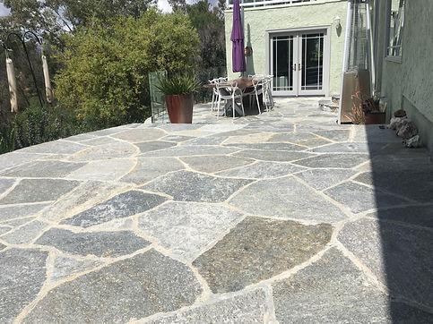 Best-Quartzite-Flagstone-patio-in-Alpine