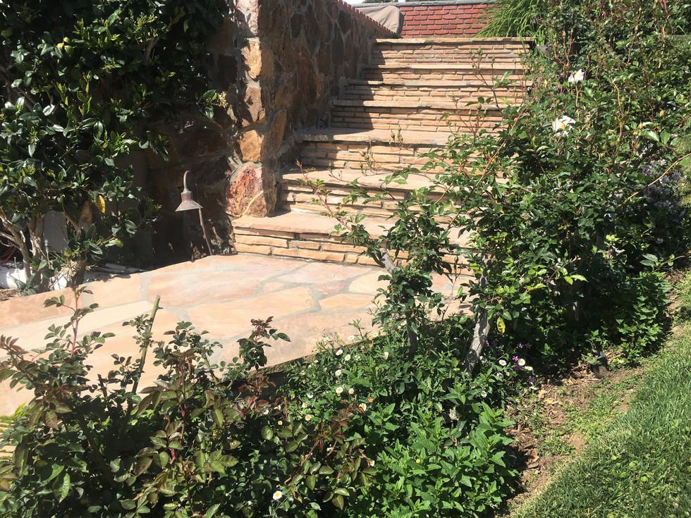 San-Diego-Masonry-Contractor-Walkway- Flagstone-Steps