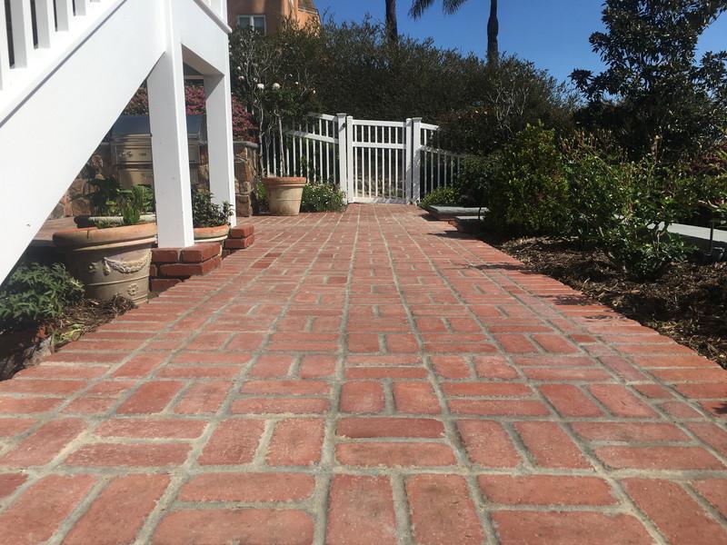 San-Diego-Masonry-Contractor-Builds-Brick-Patio