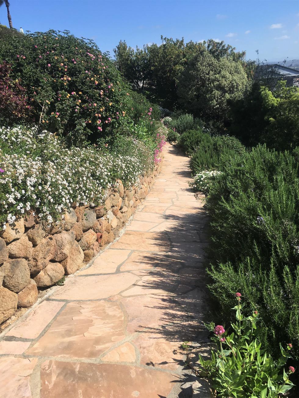 San-Diego-Masonry-Contractor-Flagstone-Walkway (243)