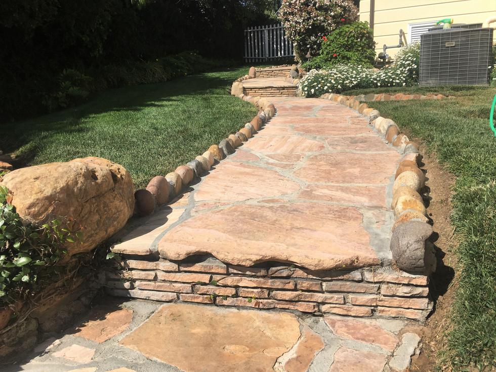 San-Diego-Masonry-Contractor-Flagstone-Walkway-With-Border