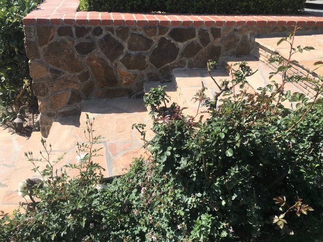 San-Diego-Masonry-Contractor-Flagstone-Steps-With_Stack-Stone-Risers