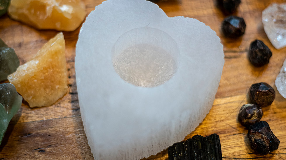 Selinite heart shaped tea light holder