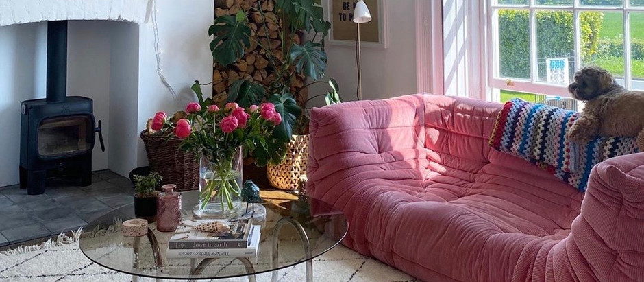 Lisa Dawson's Retro Georgian Home in York, England Is Seriously Chic (She is the Queen of Vintage!)