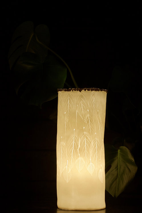 9. Viburnum leaves lamp