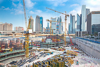 Massive-construction-in-Dubai-535030207_5760x3840.jpeg