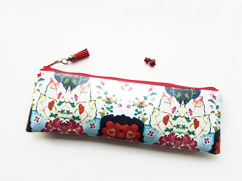 Eclectic Floral water resistant outer vegan XLong brush bag.