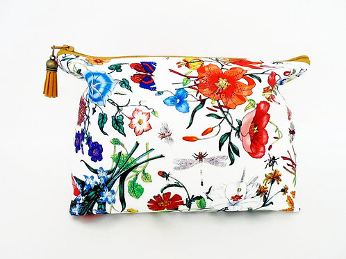 Canvas Wash bag, Floral make up bag, Floral cosmetic bag, zip bag, make up bag.
