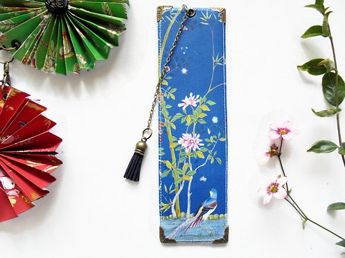 Blue chinoiserie, literary gift, book lover gift.