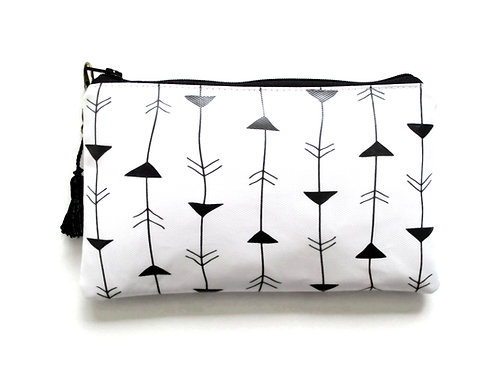 Arrow purse, vegan vinyl card pocket wallet.