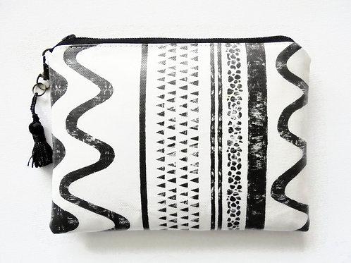 Monochrom block print vegan wallet, faux leather zipper wallet.